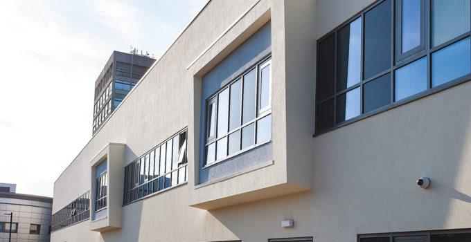 ventanas proyectantes para edificios